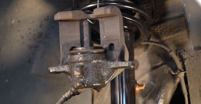 XSARA PICASSO (N68) 1.6 16V 1999 Brake Pads DIY replacement workshop manual
