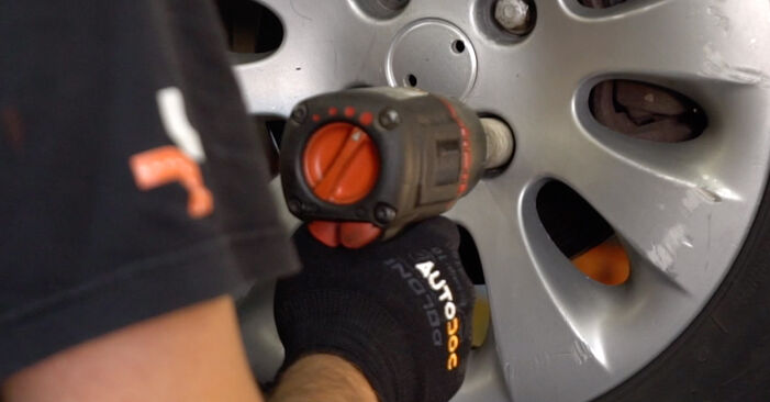 How to remove CITROËN XSARA 1.6 16V 2001 Brake Pads - online easy-to-follow instructions
