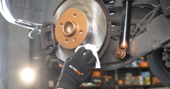 Sostituire Cuscinetto Ruota su OPEL Meriva A (X03) 1.4 16V Twinport (E75) 2009 non è più un problema con il nostro tutorial passo-passo