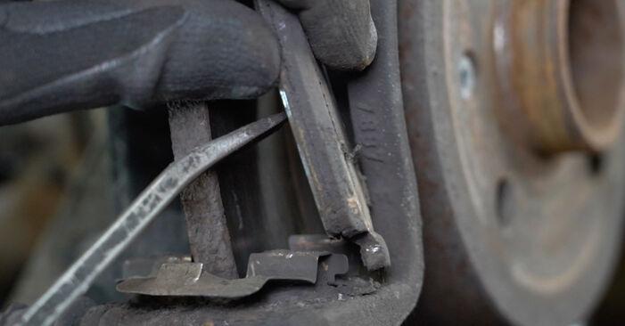 Replacing Brake Pads on Opel Meriva x03 2005 1.7 CDTI (E75) by yourself