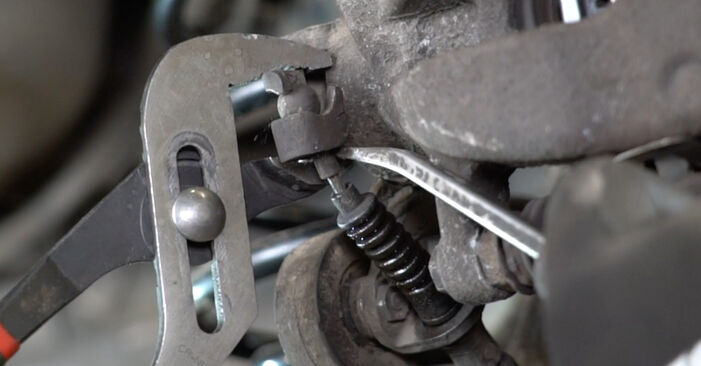 Bremsbeläge Opel Meriva x03 1.4 16V Twinport (E75) 2005 wechseln: Kostenlose Reparaturhandbücher