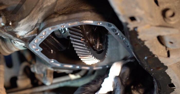 Wie Getriebeöl und Verteilergetriebeöl Opel Astra g f48 1.6 16V (F08, F48) 1998 tauschen - Kostenlose PDF- und Videoanleitungen