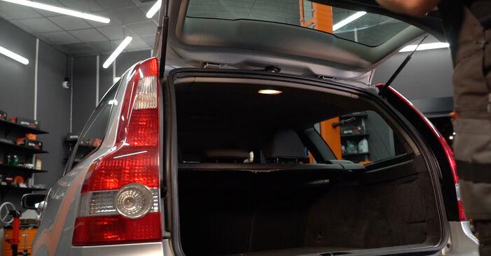 Kaip pakeisti Bagazines Amortizatorius la Volvo v50 mw 2003 - nemokamos PDF ir vaizdo pamokos