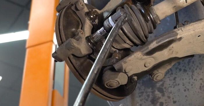 Стъпка по стъпка препоруки за самостоятелна смяна на Volvo v50 mw 2006 1.8 FlexFuel Спирачен диск