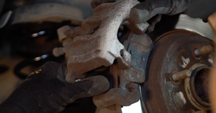 VOLVO V50 1.6 D Bremsbeläge ausbauen: Anweisungen und Video-Tutorials online