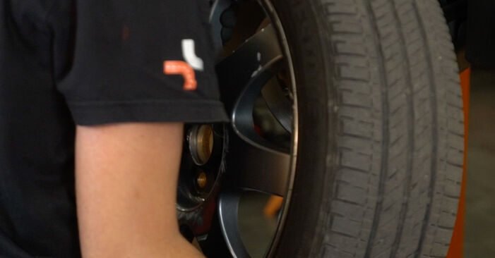 Bremsbeläge am TOYOTA PRIUS Liftback (NHW20_) 1.5 Hybrid (NHW2_) 2000 wechseln – Laden Sie sich PDF-Handbücher und Videoanleitungen herunter