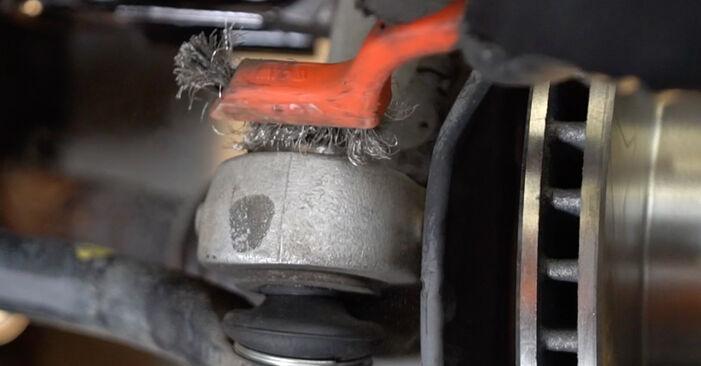 À quel point est-il difficile de le faire soi-même : télécharger le guide illustré pour le changement de Rotule De Direction sur Toyota Prius 2 1.5 (NHW2_) 2009