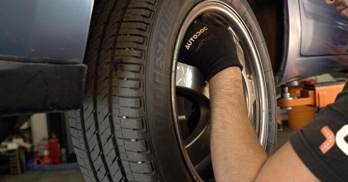 Så svårt är det att göra själv: Byt Hjullager på Toyota Prius 2 1.5 (NHW2_) 2009 – ladda ned illustrerad guide
