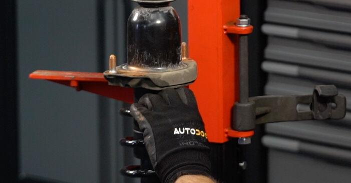 Tausch Tutorial Stoßdämpfer am TOYOTA PRIUS Liftback (NHW20_) 2008 wechselt - Tipps und Tricks