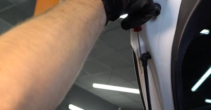 Heckklappendämpfer Toyota Auris e15 1.6 (ZRE151_) 2008 wechseln: Kostenlose Reparaturhandbücher
