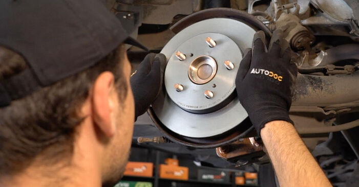 How to replace TOYOTA AURIS (NRE15_, ZZE15_, ADE15_, ZRE15_, NDE15_) 1.4 D-4D (NDE150_) 2007 Brake Discs - step-by-step manuals and video guides