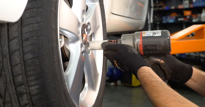 How to change Brake Discs on TOYOTA AURIS (NRE15_, ZZE15_, ADE15_, ZRE15_, NDE15_) 2011 - tips and tricks