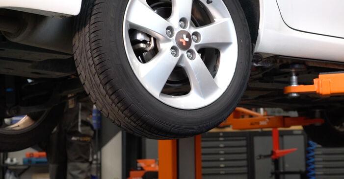 Toyota Auris e15 2.0 D-4D (ADE150_) 2008 Stabdžių Kaladėlės keitimas: nemokamos remonto instrukcijos