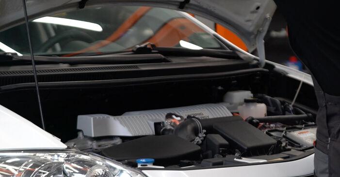 Kaip pakeisti Vikšro Valdymo Svirtis la Toyota Auris e15 2006 - nemokamos PDF ir vaizdo pamokos