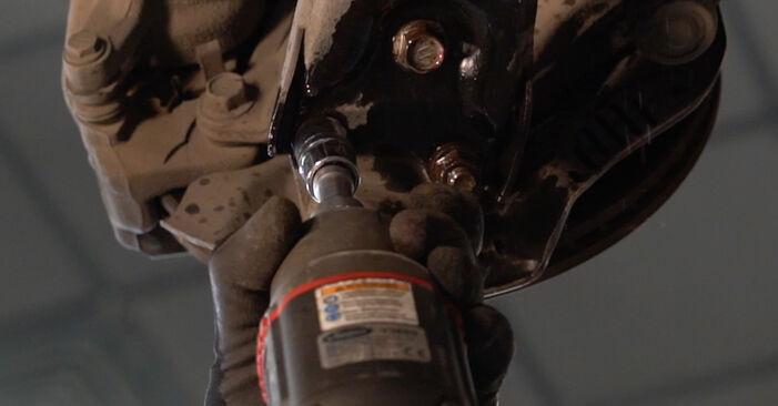 Toyota Auris e15 2009 1.4 D-4D (NDE150_) Vikšro Valdymo Svirtis keitimas savarankiškai