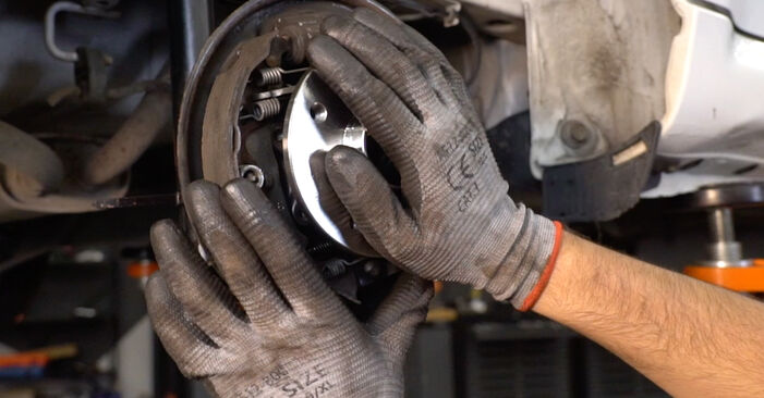 How to change Wheel Bearing on CITROËN C1 (PM_, PN_) 2005 - free PDF and video manuals