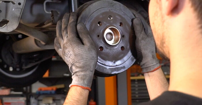 How to replace Wheel Bearing on CITROËN C1 (PM_, PN_) 2010: download PDF manuals and video instructions