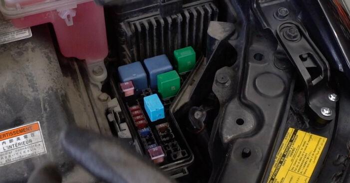 Wie man LEXUS RX 3.5 2007 Bremsscheiben austauscht - Eingängige Anweisungen online