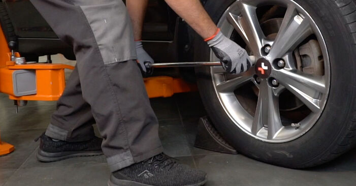 Bremsbeläge beim LEXUS RX 350 3.5 (GSU35_) 2004 selber erneuern - DIY-Manual