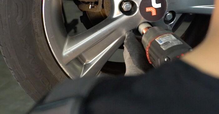 LEXUS RX 3.0 Bremsbeläge ausbauen: Anweisungen und Video-Tutorials online