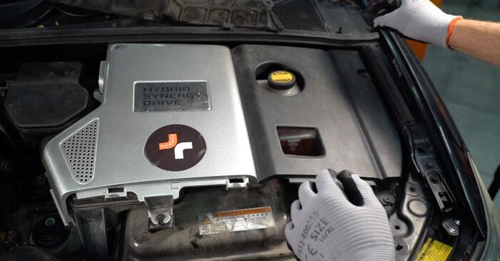 Wie Bremsbeläge LEXUS RX (MHU3_, GSU3_, MCU3_) 3.0 2004 austauschen - Schrittweise Handbücher und Videoanleitungen
