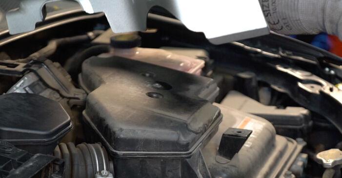 Wechseln Bremsbeläge am LEXUS RX (MHU3_, GSU3_, MCU3_) 3.5 AWD 2006 selber