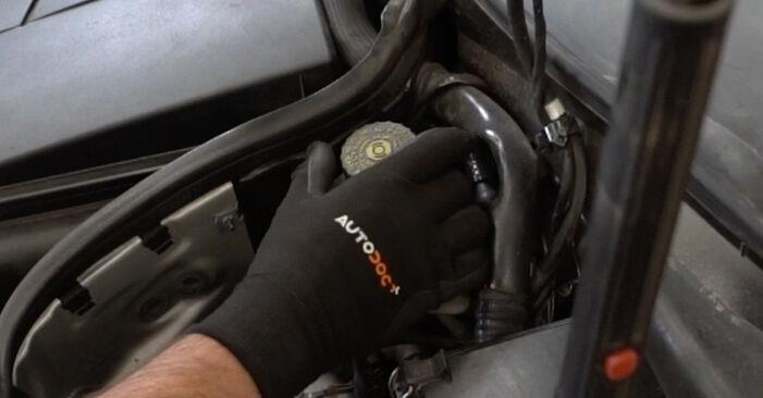 Kuidas vahetada Mercedes W203 2000 Rattalaager - tasuta PDF- ja videojuhendid
