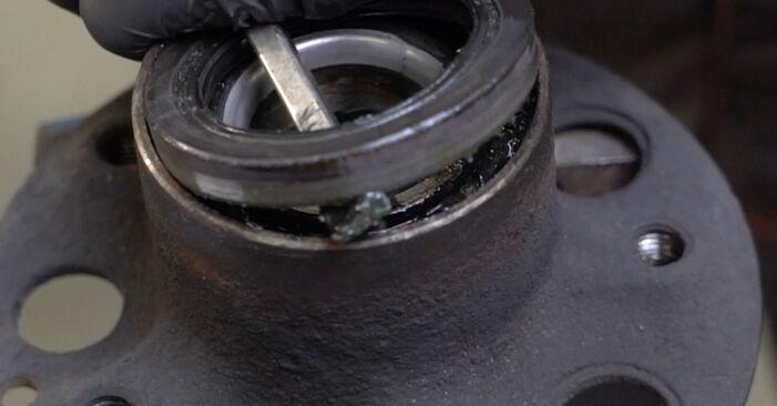 Jak trudno jest to zrobić samemu: wymień Łożysko koła w Mercedes W203 C 200 2.0 Kompressor (203.045) 2006 - pobierz ilustrowany przewodnik