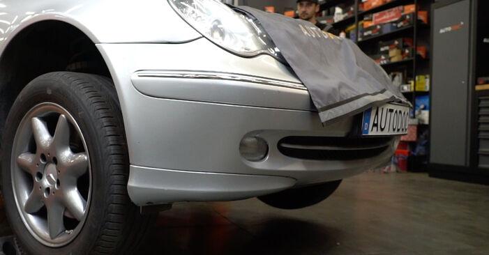 Wymiana Mercedes W203 C 180 1.8 Kompressor (203.046) 2002 Łożysko koła: darmowe instrukcje warsztatowe