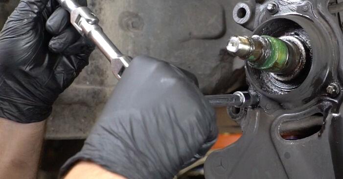 Kui keeruline on seda iseseisvalt teha: vahetada välja Mercedes W203 C 200 2.0 Kompressor (203.045) 2006 Rattalaager - laadige alla illustreeritud juhend