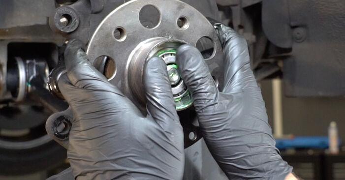 Zalecenia krok po kroku dotyczące samodzielnej wymiany Mercedes W203 2005 C 200 CDI 2.2 (203.007) Łożysko koła