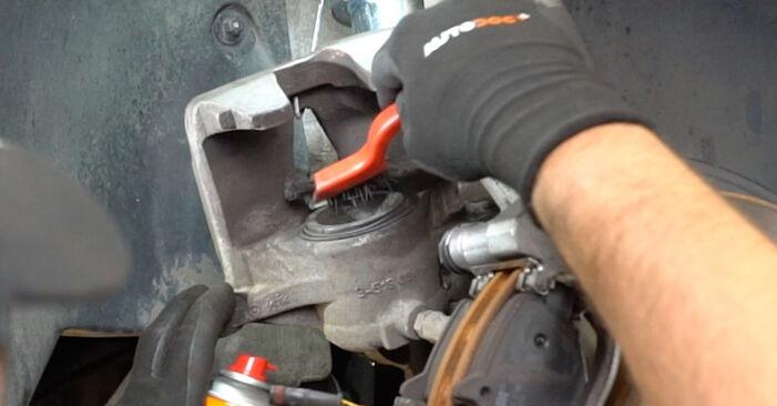 Tausch Tutorial Radlager am MERCEDES-BENZ E-Klasse Limousine (W211) 2006 wechselt - Tipps und Tricks