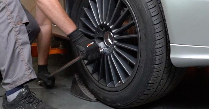 Wechseln Radlager am MERCEDES-BENZ E-Klasse Limousine (W211) E 220 CDI 2.2 (211.008) 2005 selber
