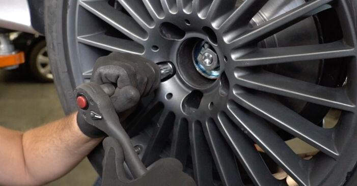 Kaip pakeisti Rato guolis la Mercedes W211 2002 - nemokamos PDF ir vaizdo pamokos