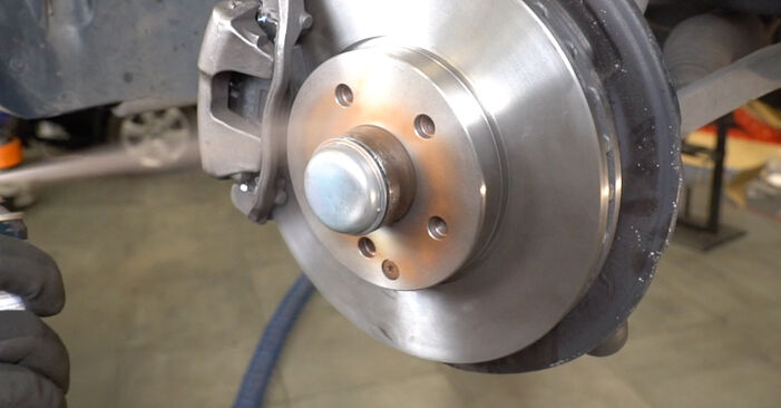 Radlager beim MERCEDES-BENZ E-CLASS E 200 1.8 Kompressor (211.042) 2009 selber erneuern - DIY-Manual