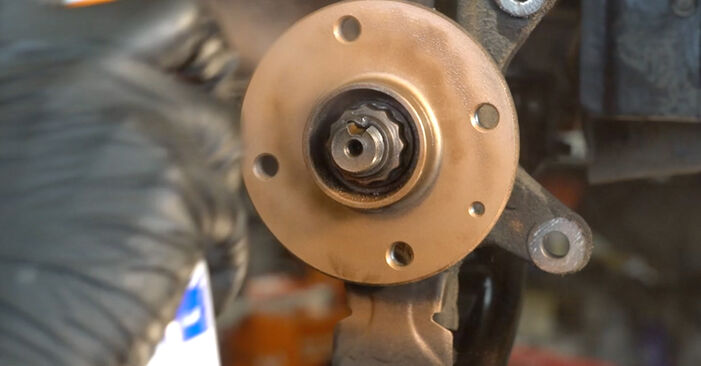 Bremsscheiben PEUGEOT 107 1.0 2007 wechseln: Kostenlose Reparaturhandbücher