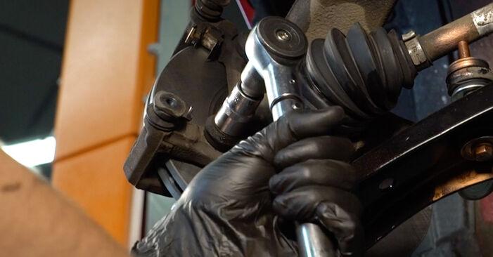 Bremsscheiben beim PEUGEOT 107 1.4 HDi 2012 selber erneuern - DIY-Manual