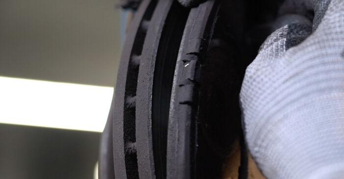 Austauschen Anleitung Bremsbeläge am Honda Insight ZE2/ZE3 2019 1.3 Hybrid (ZE28, ZE2) selbst