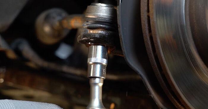 Как се сменя Накрайник на напречна кормилна щанга на Honda Insight ZE2/ZE3 2009 - безплатни PDF и видео уроци