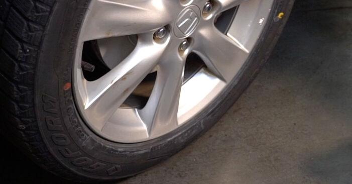 Смяна на Накрайник на напречна кормилна щанга на Honda Insight ZE2/ZE3 2019 1.3 Hybrid (ZE28, ZE2) самостоятелно