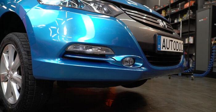 Смяна на Honda Insight ZE2/ZE3 1.3 Hybrid (ZE2) 2011 Накрайник на напречна кормилна щанга: безплатни наръчници за ремонт