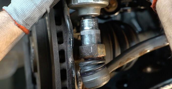 Schritt-für-Schritt-Anleitung zum selbstständigen Wechsel von Mercedes W245 2008 B 150 1.5 (245.231) Spurstangenkopf