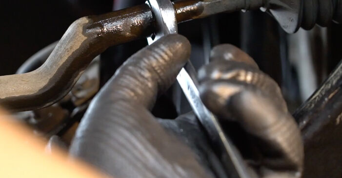 Spurstangenkopf Ihres Mercedes W245 B 170 NGT 2.0 (245.233) 2012 selbst Wechsel - Gratis Tutorial