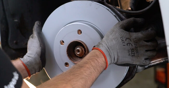 How to replace MERCEDES-BENZ B-Class (W245) B 180 CDI 2.0 (245.207) 2006 Brake Discs - step-by-step manuals and video guides