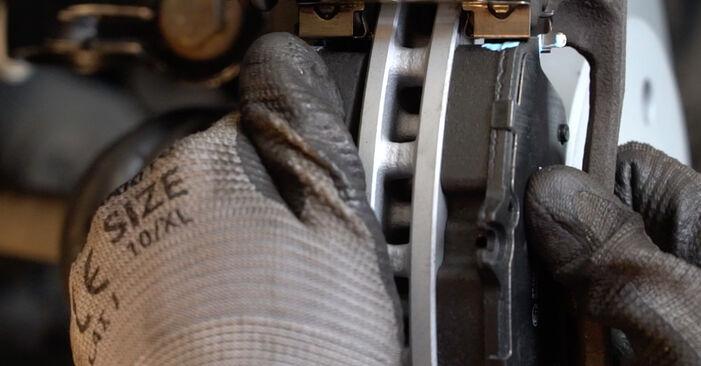 La sostituzione di Dischi Freno su Mercedes W245 2006 non sarà un problema se segui questa guida illustrata passo-passo