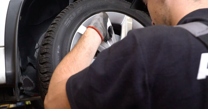 Consigli passo-passo per la sostituzione del fai da te Mercedes W245 2011 B 150 1.5 (245.231) Dischi Freno