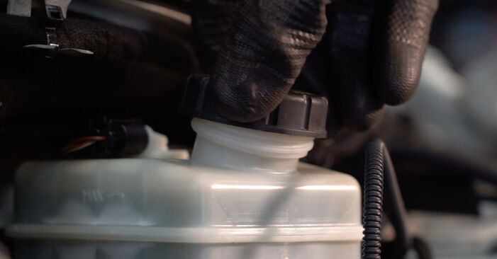 Mercedes W245 B 200 CDI 2.0 (245.208) 2007 Brake Discs replacement: free workshop manuals