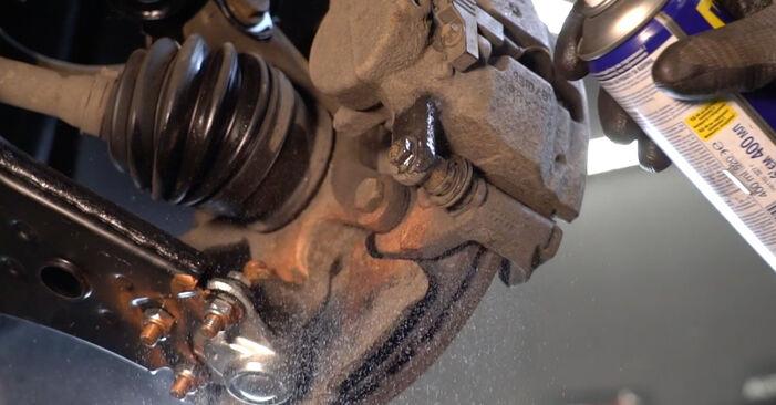 Quanto è difficile il fai da te: sostituzione Dischi Freno su Mercedes W245 B 180 1.7 (245.232) 2011 - scarica la guida illustrata