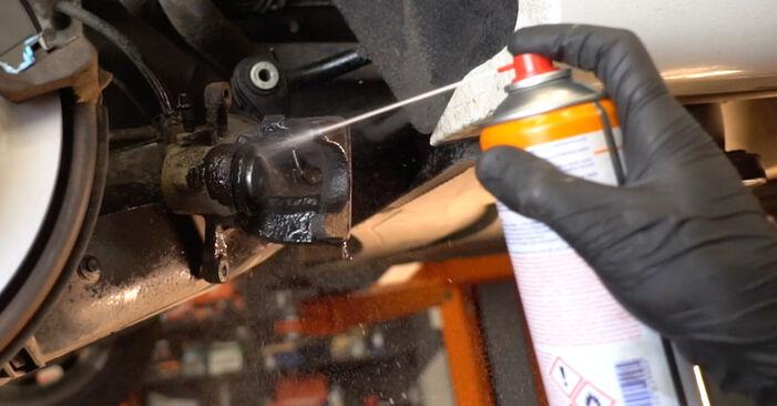 Hinweise des Automechanikers zum Wechseln von MERCEDES-BENZ B-Klasse (W245) B 170 1.7 (245.232) 2009 Bremsbeläge