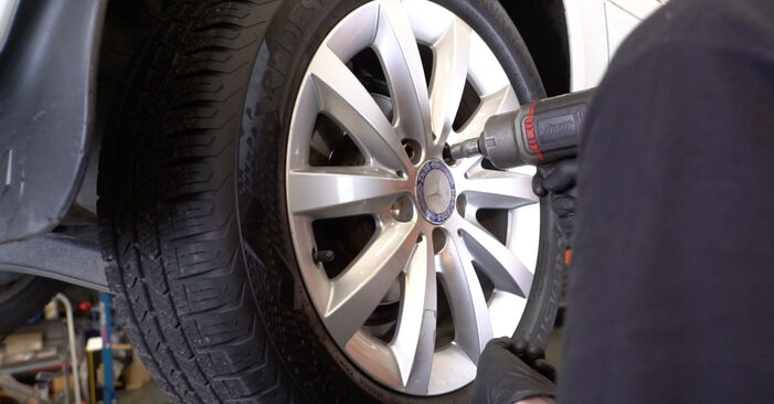 How to remove MERCEDES-BENZ B-CLASS B 150 1.5 (245.231) 2008 Brake Pads - online easy-to-follow instructions